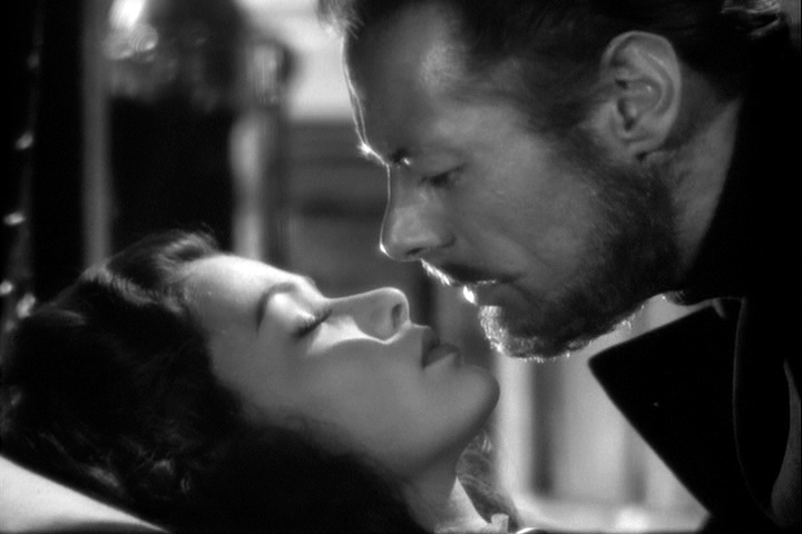 Gene Tierney, Rex Harrison in The Ghost and Mrs. Muir