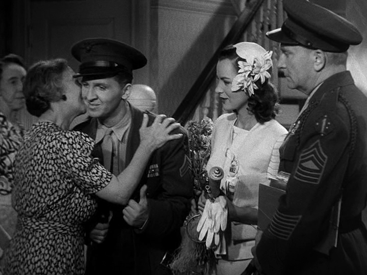eddie-bracken-ella-raines-william-demarast-in-hail-the-conquering-hero