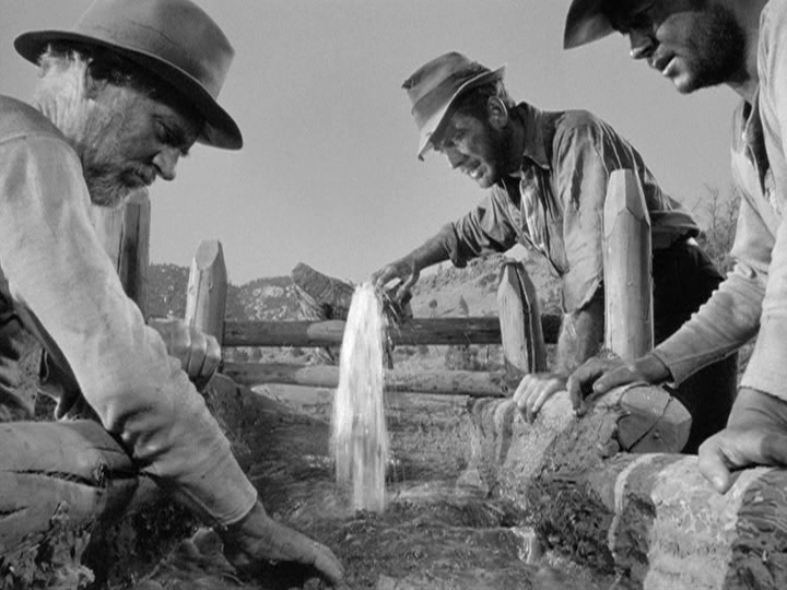 walter-huston-humphrey-bogart-tim-holt-in-the-treasure-of-the-sierra-madre