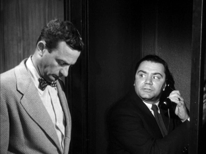 Joe Mantell, Ernest Borgnine in Marty