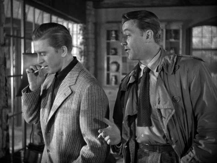 Kirk Douglas, Robert Mitchum in Out of the Past