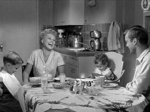 Judy Holliday, Aldo Ray star in The Marrying Kind