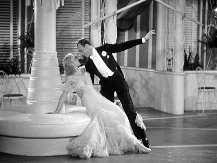 Ginger Rogers, Fred Astaire dance in The Gay Divorcee