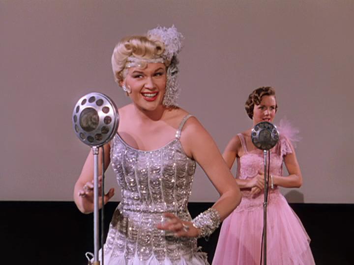 """Debbie Reynolds dubs Jean Hagen's voice in """"Singin' in the Rain."""""""