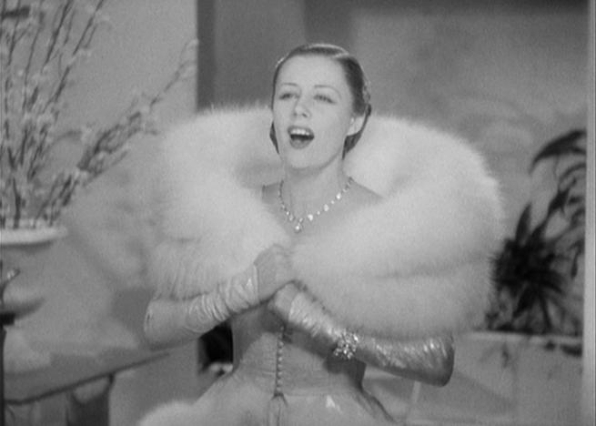 Irene Dunne sings in Roberta.